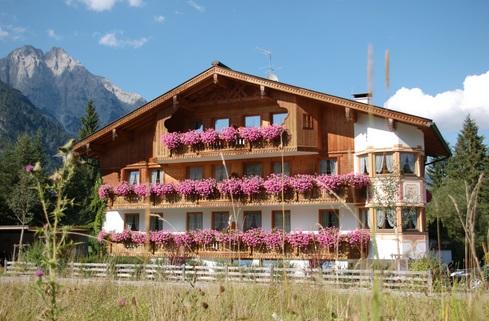 Hotel Pension Tirol